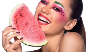 How You Can Use Watermelon to Treat Your Face
